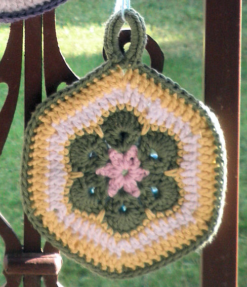 AfricanFlowerPotholder02